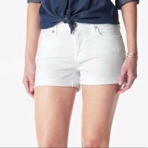 2/22  SALE! 🎉 7 for all mankind shorts